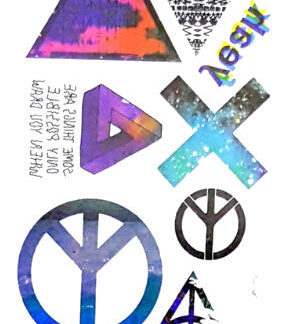 Tattoo triangle croix peace love