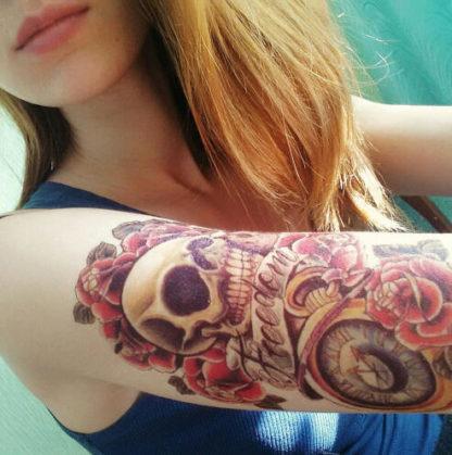 Tattoo tete de mort et rose