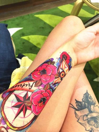 Tatouage temporaire boussole rose old school