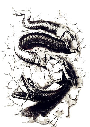 Faux tatouage serpent dangereux