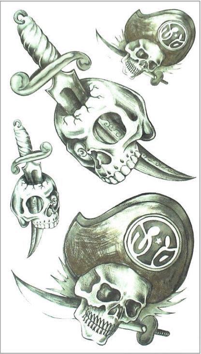 Tattoo tete de mort pirate