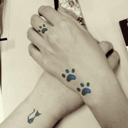 Tatouage ephemere chat empreinte nuit bleu