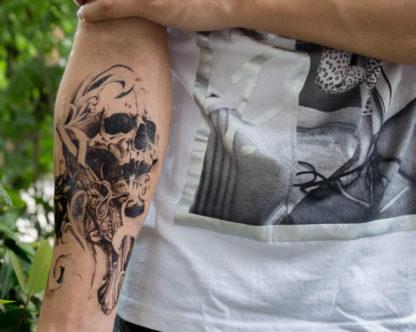 Tatouage temporaire tete de mort