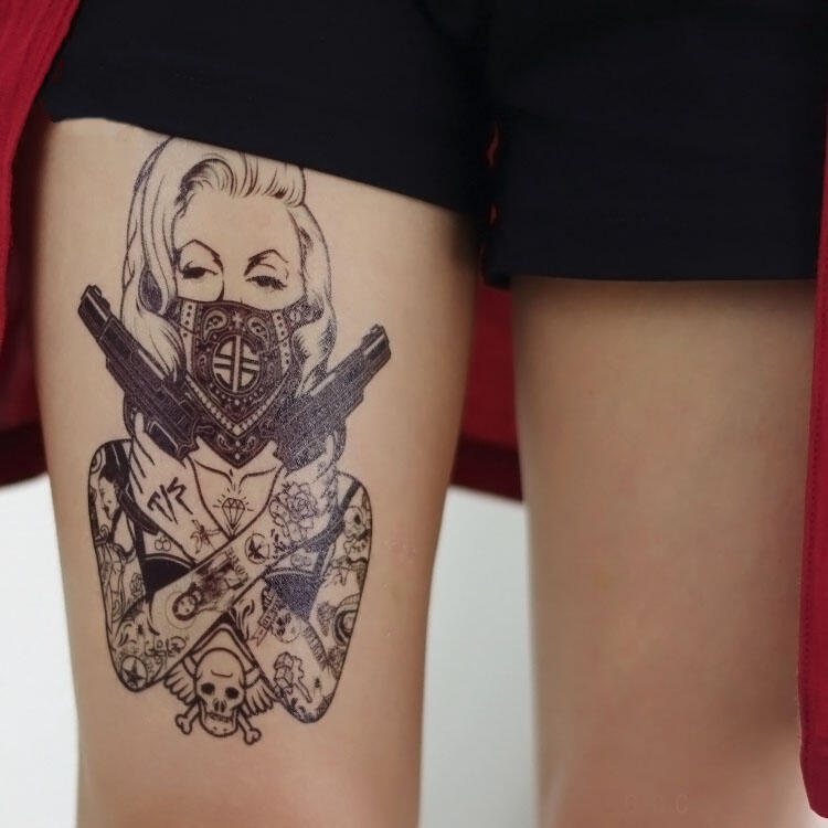tatouage temporaire femme revolver old school kolawi. Black Bedroom Furniture Sets. Home Design Ideas