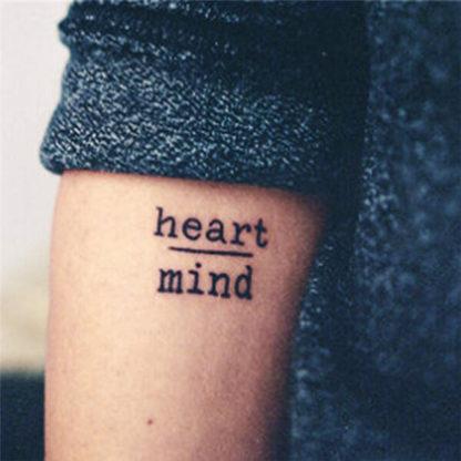 Tatouage ephemere ecriture courage et esprit