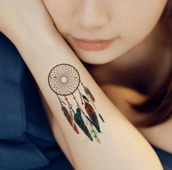 Faux tatouage attrape-reve raffiné